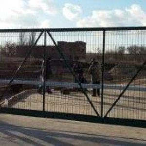 Въездная группа откатные ворота и шлагбаум.JPG
